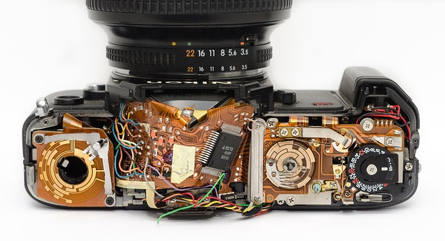 rozbitý fotoaparát